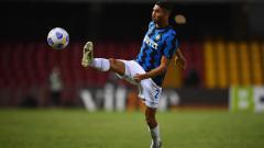 Indosport - Bintang Inter Milan, Achraf Hakimi dilaporkan positif Covid-19 jelang laga Liga Champions melawan Borussia Monchengladbach, Kamis (22/10/20) dini hari WIB.