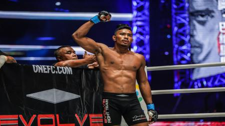 Petarung MMA asal Singapura, Amir Khan Ansari. - INDOSPORT