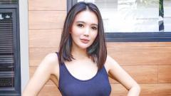 Indosport - Aktris cantik, Wika Salim menjajal olahraga baru yakni mendaki gunung. Penampilannya waktu itu dinilai terlalu terbuka hingga sedot perhatian netizen.