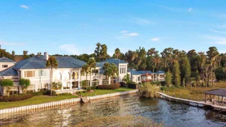 Rumah besar Shaquille O'Neal di area Danau Butler di Isleworth, Florida. - INDOSPORT