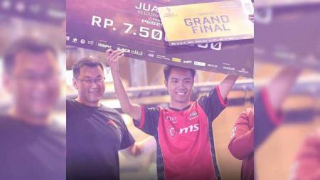 Doni Pratama sakti menjadi Juara 1 di Final Regional Barat sekaligus menjadi perwakilan Indonesia di Grand Final Piala Presiden PES2020 - INDOSPORT