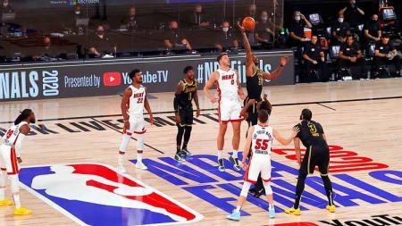 Berikut link live streaming game 5 final NBA antara Los Angeles Lakers melawan Miami Heat, Sabtu (10/10/20) pagi WIB. - INDOSPORT