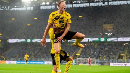 Erling Haaland selebrasi usai mencetak gol dalam laga Borussia Dortmund vs Freiburg - INDOSPORT