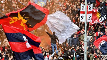 Genoa menjadi cluster baru Covid-19 di Serie A Italia usai 22 pemain dan staf mereka positif terjangkit virus mematikan tersebut. - INDOSPORT