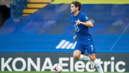 Klub Liga Inggris, Crystal Palace sudah menyatakan niatnya untuk merekrut bek sayap Chelsea, Marcos Alonso pada bursa transfer musim dingin Januari mendatang. - INDOSPORT