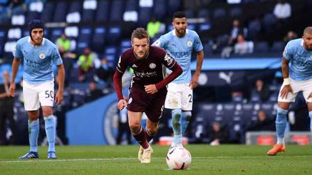 Jamie Vardy dari Leicester City mencetak gol pertama timnya selama pertandingan Liga Premier antara Manchester City dan Leicester City - INDOSPORT