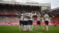 Indosport - Tottenham Hotspur panen catatan rekor usai berhasil membuat Manchester United babak belur di kandang mereka sendiri dalam laga lanjutan pekan ke-4 Liga Inggris.