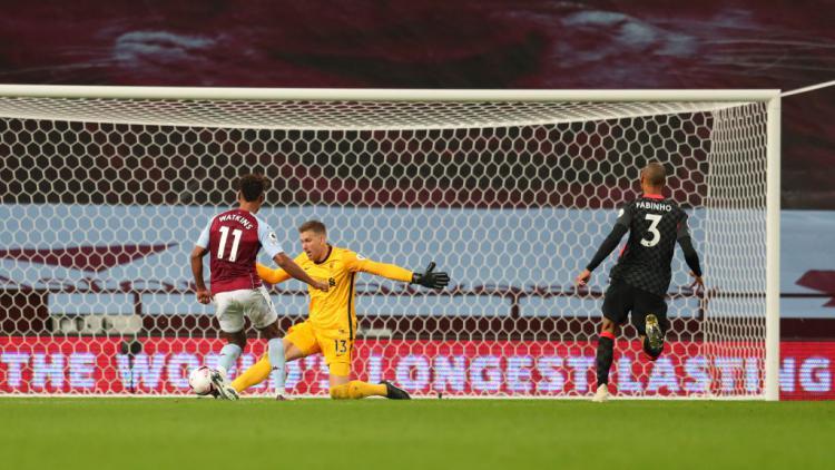 Ollie Watkins saat mencetak gol ke gawang Liverpool Copyright: Catherine Ivill/Getty Images