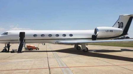 Megabintang Barcelona, Lionel Messi menunjukkan kemurahan hatinya dengan meminjamkan jet pribadinya untuk keperluan Timnas Argentina. - INDOSPORT
