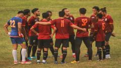 Indosport - Pelatih dan pemain klub Liga 2 Muba Babel United mulai diliburkan. Kini mereka sudah pulang ke kampung halaman masing-masing.