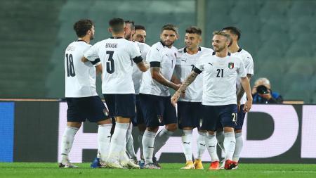 Selebrasi pemain Italia usai El Shaarawy mencetak gol ke gawang Moldova. - INDOSPORT