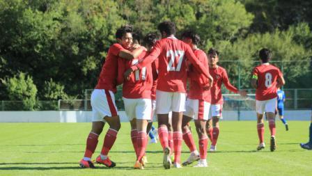 Selebrasi para pemain Timnas Indonesia U-19 usai sukses membobol gawang NK Dugopolje pada Kamis (08/10/20). Timnas U-19 menang 3-0.