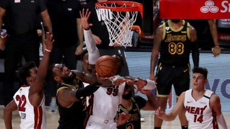Miami Heat vs LA Lakers di game 5 final NBA, Sabtu (10/10/20). - INDOSPORT