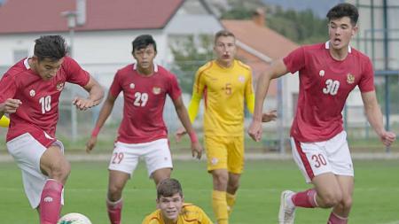 Kekuatan Timnas Indonesia U-19 bakal full team dalam menghadapi Bosnia Herzegovina nanti karena Witan Sulaeman dan Elkan Baggott dipastikan bermain. - INDOSPORT