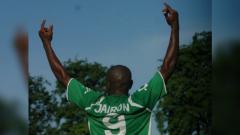 Indosport - Jairon Feliciano saat membela Persebaya.