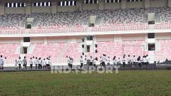 Indosport - Suasana di Stadion Lukas Enembe, Papua, jelang persemian.