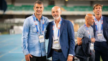 Paolo Maldini bersama dengan Stefano Pioli - INDOSPORT