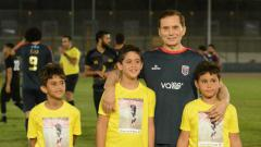 Indosport - Pesepakbola tertua dunia asal Mesir, Ezzeldin Bahader.
