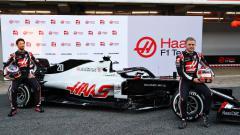 Indosport - Pembalap tim Haas F1, Romain Grosjean dan Kevin Magnussen.
