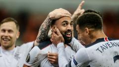 Indosport - Bintang Glasgow Rangers yang bernama Kemar Roofe jadi sorotan setelah membuat gol spektakuler dalam laga melawan Standard Liege dalam Liga Europa 2020/21.