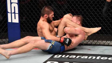 Berikut rangkuman Top 5 News di situs INDOSPORT pada Minggu (25/10/20). Pensiunnya Khabib Nurmagomedov usai menang lawan Justin Gaethje di UFC 254. - INDOSPORT
