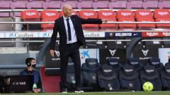 Indosport - Berhasil membawa Real Madrid menang atas Atletico Madrid dalam laga bertajuk Derby Madrid, Zinedine Zidane puji beberapa pemain ini setinggi langit.