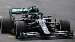 Indosport - Berikut hasil kualifikasi F1 GP Hungaria 2021, di mana Lewis Hamilton berhasil meraih pole position pada Sabtu (31/07/21).