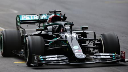 Berikut adalah hasil Formula 1 GP Turki 2020 yang digelar di Sirkuit Istanbul Park, Minggu (15/11/2020) di mana Lewis Hamilton berhasil menjadi yang tercepat. - INDOSPORT