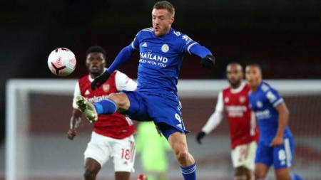Aksi Jamie Vardy di laga Liga Inggris Arsenal vs Leicester City. - INDOSPORT