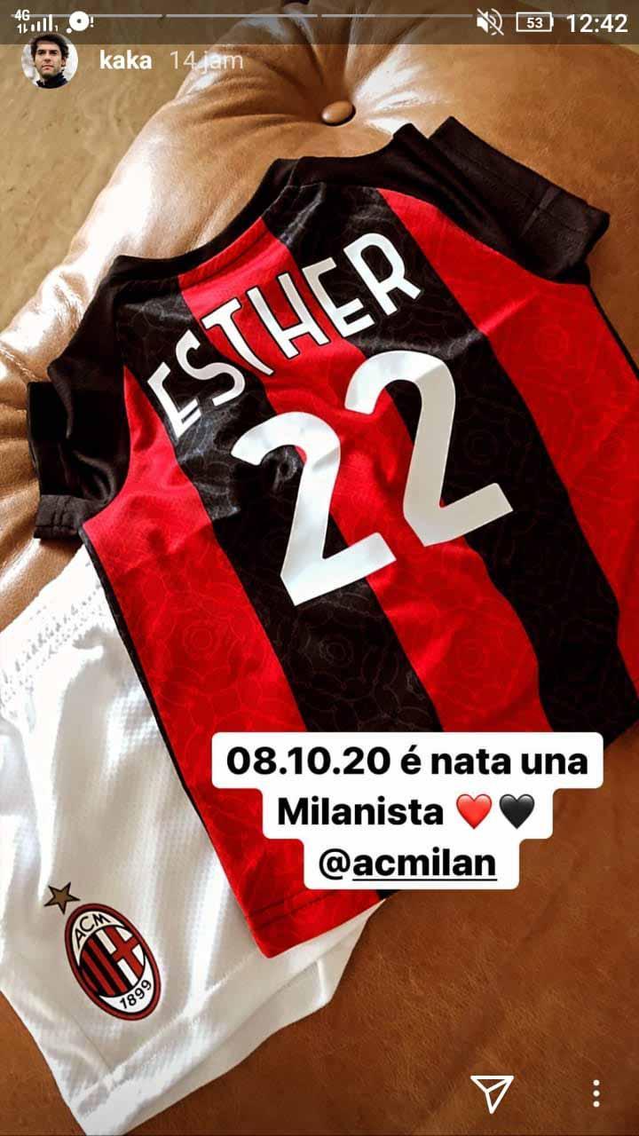 Anak Kaka dapat hadiah jersey AC Milan. Copyright: Instastory@kaka