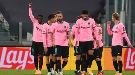 Kepergian Lionel Messi yang nampak tak terelakan lagi buat raksasa LaLiga Spanyol, Barcelona bakal jual lima bintangnya demi atasi krisis ekonomi. - INDOSPORT