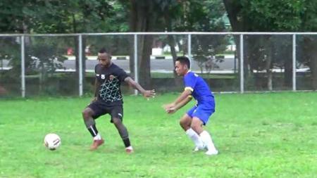 Kompetisi Liga 2 2020 yang diiktui Sriwijaya FC belum ada kejelasan. Seluruh klub bertanya-tanya, kompetisi bakal lanjut, ditunda atau dibatalkan? - INDOSPORT