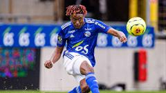 Indosport - Mohamed Simakan, pemain sepakbola Strasbourg.