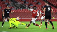 Indosport - Aksi Eddie Nketiah dalam laga Liga Europa 2020/2021 antara Arsenal vs Dundalk.