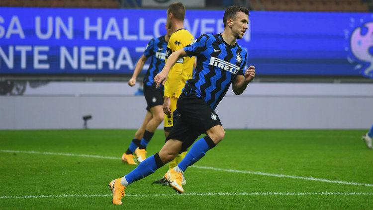 Selebrasi gol Ivan Perisic dalam lanjutan Liga Italia Inter Milan vs Parma.. Copyright: Claudio Villa - Inter/Inter via Getty Images