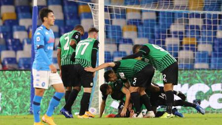 Selebrasi pemain Sassuolo merayakan kemenangan atas Napoli. - INDOSPORT