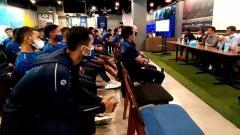 Indosport - Manajemen gelar pertemuan dengan tim Persib di Graha Persib, Jalan Sulanjana, Kota Bandung, Selasa (03/11/2020).