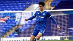 Indosport - Elkan Baggott beraksi melawan Southend United di FA Youth Cup
