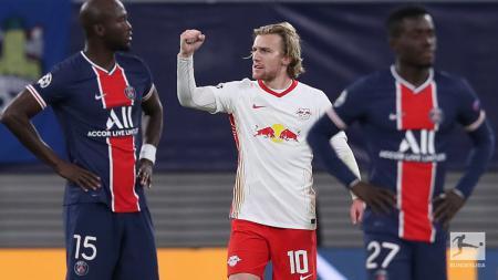 Selebrasi Emil Forsberg usai mencetak gol kemenangan RB Leipzig atas Paris Saint-Germain dalam pertandingan Liga Champions, Rabu (4/11/20). - INDOSPORT