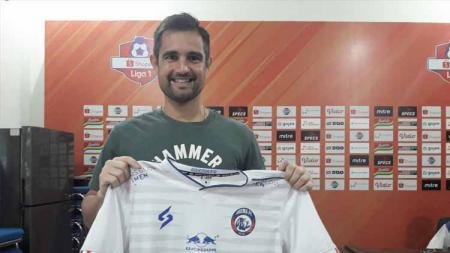 Pelatih Kiper Arema FC, Felipe Americo. - INDOSPORT