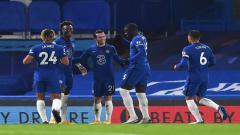Indosport - Skuat Chelsea merayakan gol yang dicetak Ben Chilwell ke gawang Sheffield United.