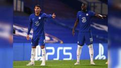 Indosport - Thiago Silva dan Kurt Zouma.
