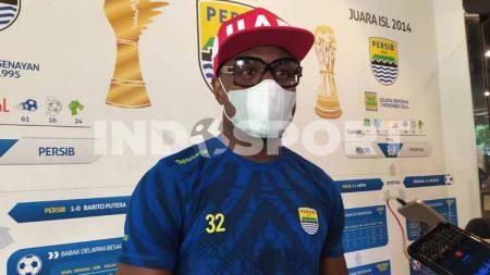 Pemain belakang Persib, Victor Igbonefo saat ditemui di Graha Persib, Jalan Sulanjana, Kota Bandung, Selasa (03/11/20). - INDOSPORT