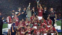 Indosport - Kompetisi musim 2000/01 akan selalu dikenang sebagai masa terbaik AS Roma usai sukses meraih gelar juara Serie A Liga Italia.