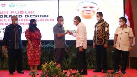 Pertemuan Menpora Zainudi Amali dengan Gubernur Sumut Edy Rahmayadi. Menpora pastikan PON 2024 digelar di Sumut-Aceh. - INDOSPORT