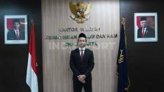 Indosport - Pemain Persija Jakarta Marc Klok resmi menyandang status Warga Negara Indonesia.