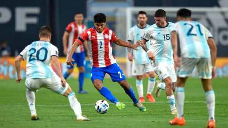 Laga pertandingan antara Argentina vs Paraguay, Kualifikasi Amerika Selatan untuk Qatar 2022. - INDOSPORT