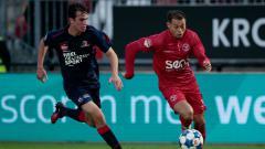 Indosport - Ilias Alhaft, pemain Almere City berdarah Indonesia.