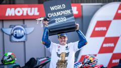 Indosport - Menjadi juara dunia di usia 23 tahun bersama tim Suzuki, Joan Mir telah melalui banyak jalan berliku hingga mengantarnya ke prestasi paling prestisius tersebut.