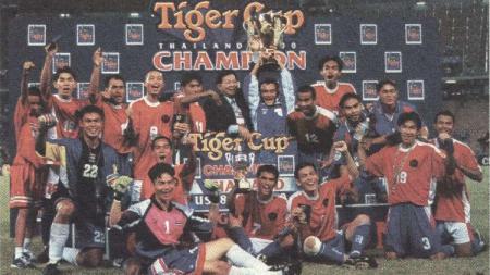 Thailand juara Piala AFF usai mengalahkan Indonesia di laga final, 18 November 2000. - INDOSPORT